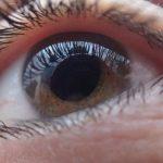 Síndrome del 'ojo seco': se incrementa por la contaminación y el uso de móviles