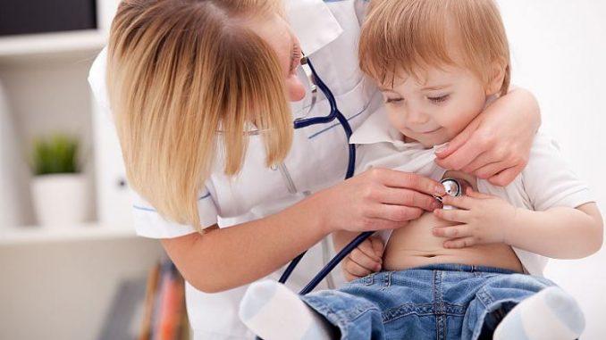 Niño en consulta de pediatría (Foto: Quinton Isotonic)