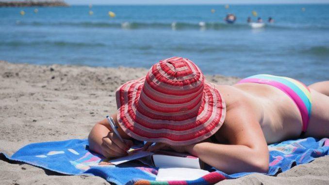 protección solar tomar sol verano