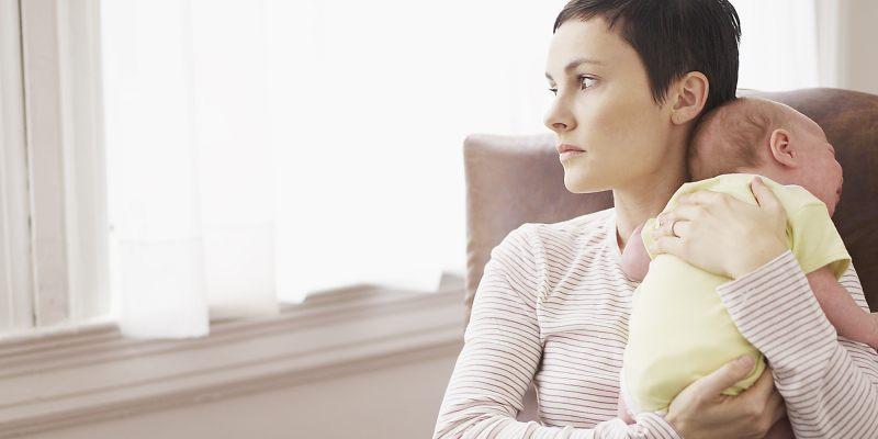 Depresión postparto parto embarazo lactancia